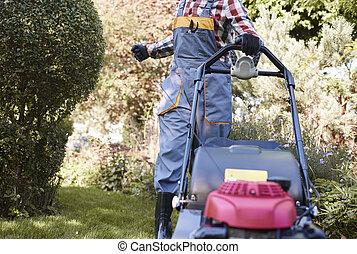 unrecognizable, 남자, 선반 세공, 잔디 깎는 사람