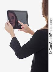unternehmerin, gebrauchend, digital tablette