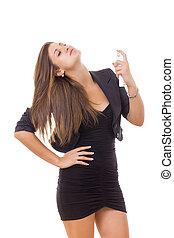 unternehmerin, gesprüht, parfüm, auf, der, hals