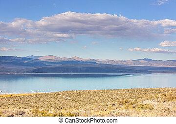 Mono lake - Unusual Mono lake formations in autumn season