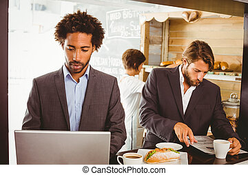 uomini affari, godere, loro, ora pranzo