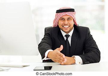 uomo affari, arabo, stretta di mano