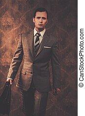 uomo affari, bene-vestito, cartella