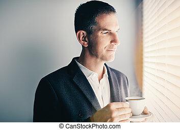 uomo affari, bere, coffe foggiano coppa