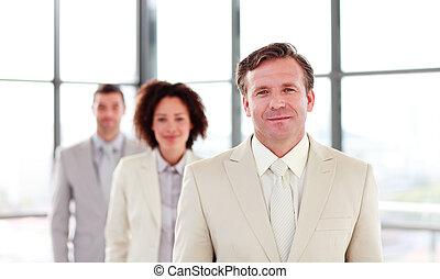 uomo affari, condurre, maturo, squadra
