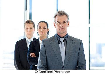 uomo affari, condurre, uno, squadra affari