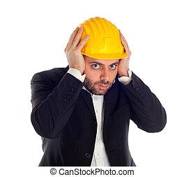 uomo affari, costruzione, spaventato, casco