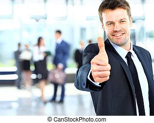 uomo affari, esposizione, segno giusto, con, suo, pollice,...