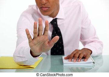 uomo affari, fabbricazione, uno, fermi gesto