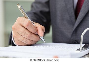 uomo affari, firmando documento
