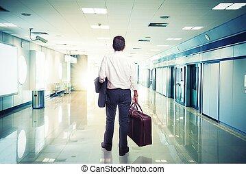 uomo affari, in, aeroporto, pronto, viaggiare
