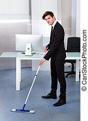 uomo affari, pulizia, ufficio