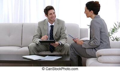 uomo affari, riunione, con, uno, colleagu