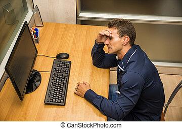 uomo affari, scrivania, preoccupato, giovane, seduta