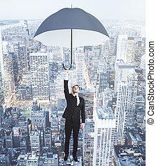 uomo affari, volare, con, ombrello, sopra, sera, megapolis, città, concetto