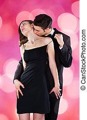 uomo, baciare, donna, collo, mentre, togliendo, spallina
