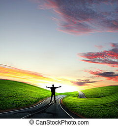 uomo cammina, lontano, a, alba, lungo, strada