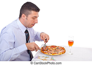 uomo, consumo pizza, affari
