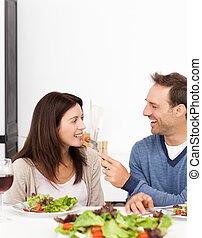 uomo, dare, uno, pomodoro, a, suo, amica, mentre, ava pranzo
