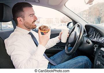 uomo, detenere, colazione, e, guida, seduto, automobile