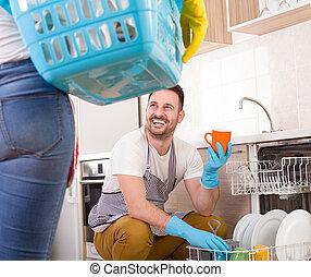 uomo donna, fare, chores, insieme