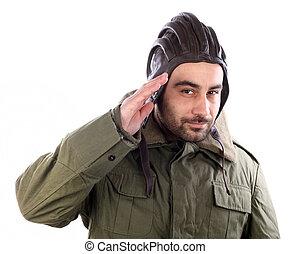 uomo, fare il saluto militare