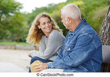 uomo, figlia parco, anziano