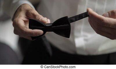 uomo, il portare, cravatta arco