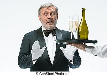 uomo, protesta, per, il, cattivo, bevanda