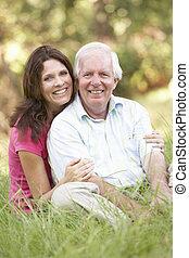 uomo senior, con, adulto, figlia, parco
