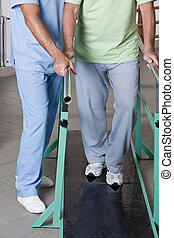 uomo senior, terapia, ambulatory, detenere