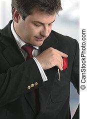 uomo, uomo affari, presa a terra, carta credito, o, altro, scheda plastica