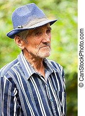 uomo, vecchio, stanco, fuori