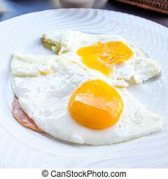 uovo, apparecchiato