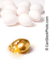 uovo rotto, dorato