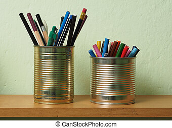 Upcycling, Writing Accessories in Tin Can - Crayons and pens...