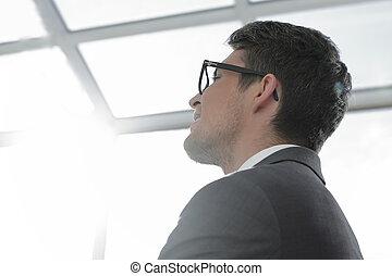 up.modern, espacio, el mirar joven, cierre, hombre de negocios, copia