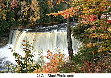 upper tahquamenon water falls in michigan fall time