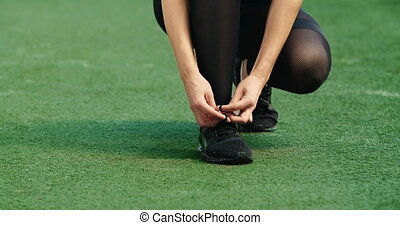 uprawiający jogging, shoelace, samica, przywiązywanie