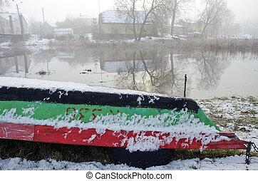 upturned, rio, inverno, bote, tempo