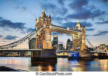 uralkodik bridzs, london