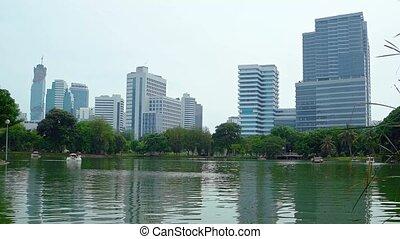 urbain, bâtiments, highrise, parc ville, lac, sous, commandant
