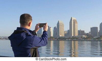 urbain, usage, prendre, photo., téléphone, rue, life., homme