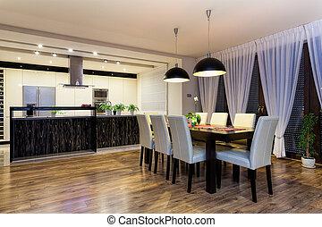 Urban apartment - Spacious kitchen with table