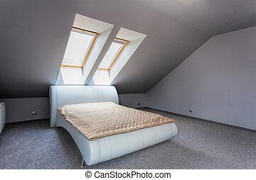 Urban apartment - white bed