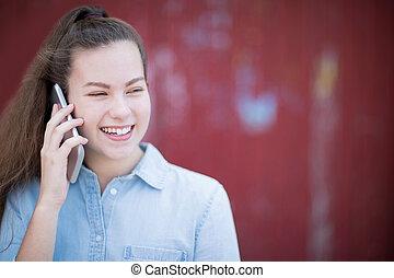 urbano, adolescente, falando, telefone móvel, exterior, armando, menina