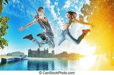 urbano, bailarines, plano de fondo, dos, saltar