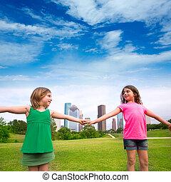 urbano, hermana, niñas, dos, mano, contorno, tenencia, amigos, juego