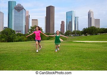 urbano, hermana, niñas, dos, mano, corriente, contorno, tenencia, amigos