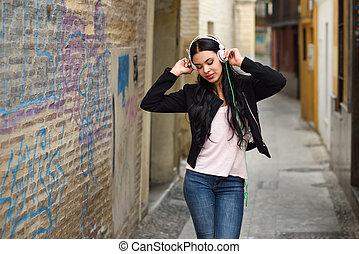 urbano, mujer, plano de fondo, auriculares, la música ...